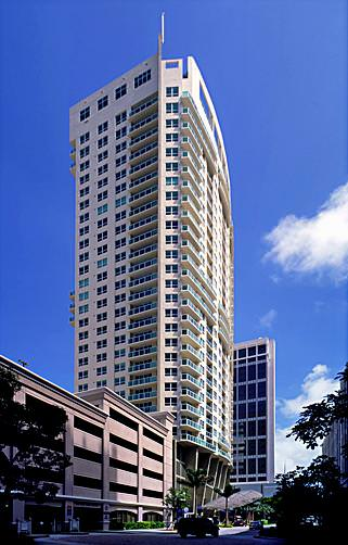 350 Las Olas Place Building
